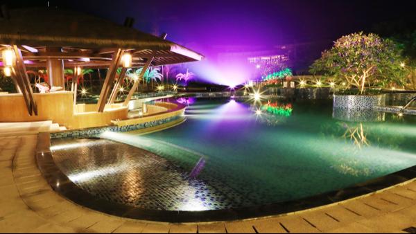 泳池胶膜是游泳池防水的新型材料